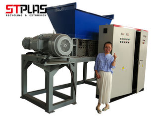 China plastic bottle shredder  ST2-1000 plastic PET bottle shredding machine 2*30KW motor supplier