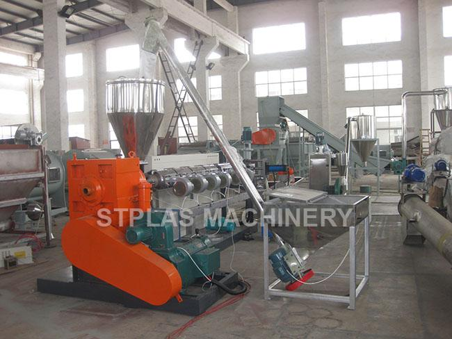 High Capacity Single Screw Plastic Extruder Pelletizing Line For Granulating 0
