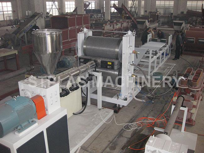 Custom Single Screw Extruder For HDPE Waterproof Drainage Board Production