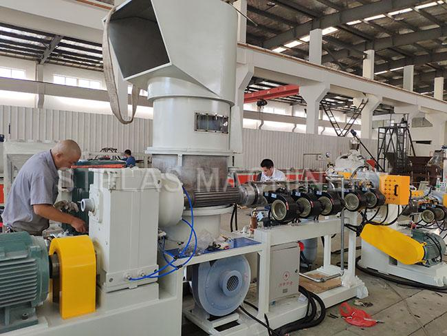 PP PE Plastic Recycling Extruder Machine / Industrial Plastic Bottle Granulator
