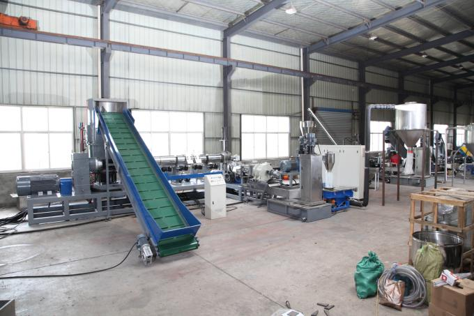 Industrial Small Scale Plastic Recycling Machine / Plastic Recycling Plant Machinery