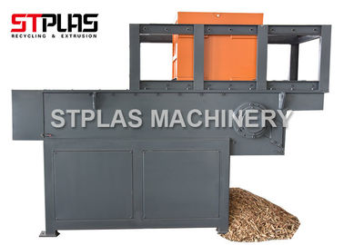 China Industrial Wood Chipper Shredder Machine Single Shaft For Crush Waste Wood factory