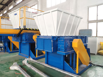 China Less Vibration Plastic Shredder Machine With Single Axis Compact Structure factory