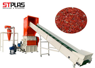 China SUS304 Material Long Lifetime Plastic Grinder Machinery with PVC Belt Conveyor factory
